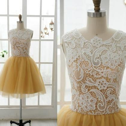 High Neck White Lace Gold Tulle Sle..