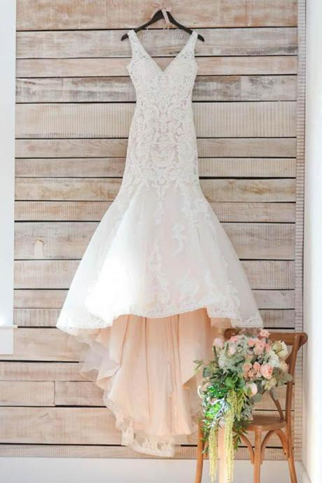 Modest Wedding Dresses,V Neck Wedding Dresses,Mermaid Wedding Dress,Long Bridal Dress,Appliques Wedding Dresses WD61