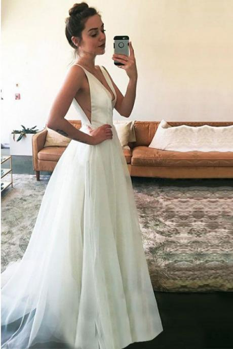A-Line Prom Gown,V-Neck Prom Dresses, Ivory Prom Dress,Tulle Prom Dress,Simple Prom Dresses DS236