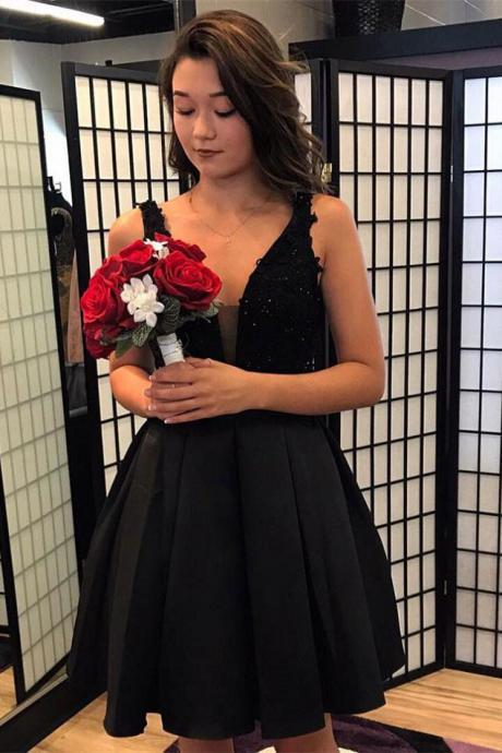 Short Prom Dresses,Deep-V Homecoming Dresses,Mini Homecoming Dress,Appliqued Homecoming Dresses,Black Homecoming Dresses With Rhine Stones DS313