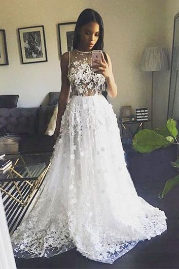 Gorgeous Prom Dresses,A-Line Prom Dress ,White Prom Gown,Long Prom Dress with Appliques DS567