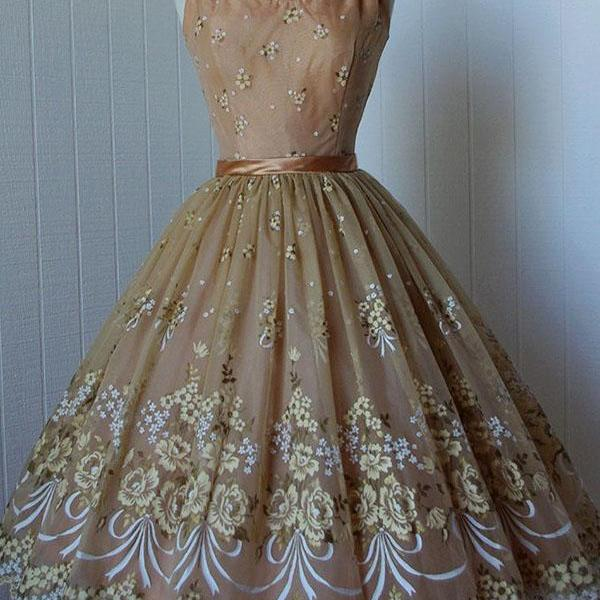 A-Line Homecoming Dress,Spaghetti Straps Prom Dress,Short Prom Dresses,Champagne Homecoming Dresses,Lace Homecoming Dress with Appliques