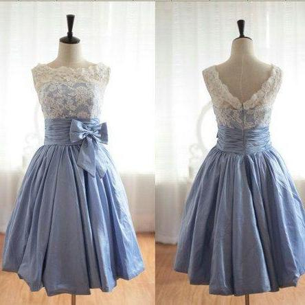 Custom Made Scalloped Blue Knee Length Prom Dress Simple Ivory Lace Bridesmaid Dress Short Homecoming Dress Cocktail Dress Wedding Party Dress